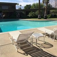Снимок сделан в Twin Palms, Frank Sinatra House пользователем Jon O. 10/19/2017