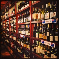 Foto tomada en El Carajo Tapas and Wine por Gustavo C. el 3/24/2013