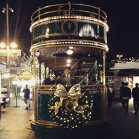 Photo taken at The Trolley At The Grove by Guilherme d. on 12/19/2014