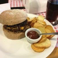 Foto tirada no(a) Burger's Club por Guilherme d. em 7/10/2013
