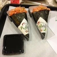 Foto tirada no(a) Fujisan Sushi por Guilherme d. em 1/2/2013