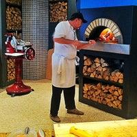 Снимок сделан в La Bottega Siciliana пользователем Gringo 10/21/2012