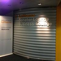 Foto tirada no(a) Lufthansa Business Lounge por ゆたぽん em 9/22/2013