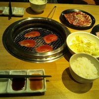 Photo taken at 焼肉きんぐ富士店 by ちっぷ す. on 2/15/2014