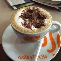 Photo taken at Grão Espresso by Wolmer D. on 5/1/2014