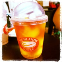 Photo taken at Highlands Coffee by Fjordz |. on 7/18/2013