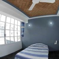 Foto tomada en Hostal Azul y Blanco por Maggie H. el 1/24/2014