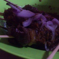Photo taken at Restoran Kelapo Muda by Myzhan D. on 2/2/2014