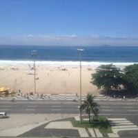 Foto tirada no(a) Atlântico Praia Hotel por Camila F. em 3/16/2013