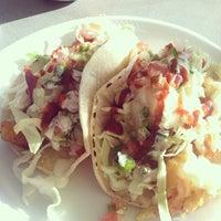 Photo prise au Ricky's Fish Tacos par Podge N. le12/22/2013