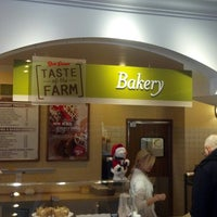 Photo taken at Bob Evans Restaurant by Jeffrey R. on 12/13/2013