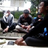 1/19/2014에 Ben S.님이 Perempatan Lampu Merah Ciledug에서 찍은 사진