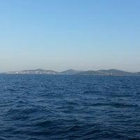 Photo taken at Ada Sahilleri' nde by ΑΣΙ . on 7/5/2014
