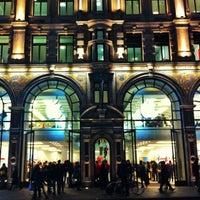 Photo taken at Apple Store Regent Street by Fernando G. on 11/26/2012