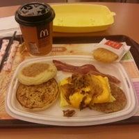 Photo taken at McDonald's / McCafé by DG R. on 11/16/2014