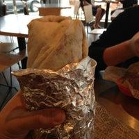 3/16/2013 tarihinde Victor I.ziyaretçi tarafından Chipotle Mexican Grill'de çekilen fotoğraf