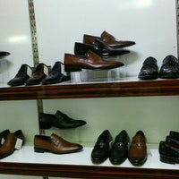 Photo taken at Grotto&footmark Shoe Shop by yasin A. on 5/13/2015
