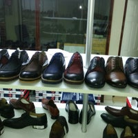 Photo taken at Grotto&footmark Shoe Shop by yasin A. on 4/10/2015
