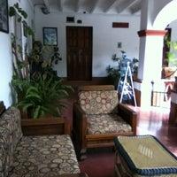 Foto tomada en Hotel Posada Santa Anita por Adrian C. el 7/25/2012