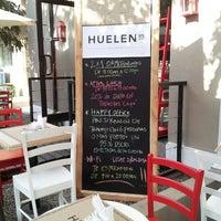 Foto scattata a Café Huelen 85 da Ivan R. il 3/25/2014