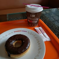 Photo taken at Dunkin' Donuts by Tonny W. on 1/21/2017
