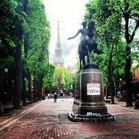 Foto tirada no(a) Paul Revere Statue por Anabel M. em 5/20/2013