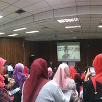 Photo taken at Lecturer Theater 4 (LT4) UiTM Perlis by Qyda N. on 1/22/2015