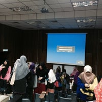 Photo taken at Lecturer Theater 4 (LT4) UiTM Perlis by Qyda N. on 2/25/2015