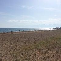 4/22/2014 tarihinde 🅱️ülen₺ziyaretçi tarafından Lara Plajı'de çekilen fotoğraf