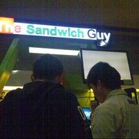 1/15/2013 tarihinde Emman S.ziyaretçi tarafından The Sandwich Guy'de çekilen fotoğraf