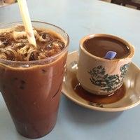 Photo taken at Soo Kam Kee Kedai Makan Dan Minuman by ptm@n on 3/27/2016