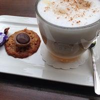 5/23/2014 tarihinde Roberto R.ziyaretçi tarafından Lunch-Café Le Provence'de çekilen fotoğraf