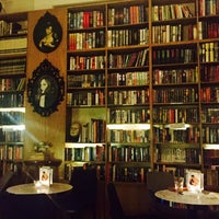 Photo taken at The Reading Room by Evelyn Zoé C. on 4/26/2017