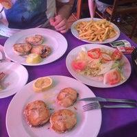Foto tomada en Restaurante La Parrilla por Yuliya B. el 8/23/2017