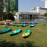 Foto scattata a Vachirabenjatas Park (Rot Fai Park) da Thitipong s. il 4/21/2013