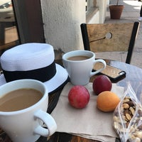 Photo taken at Ojai Coffee Roasting Co. by Hasan Y. on 8/19/2017