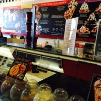 Photo taken at Cold Stone Creamery by روز on 8/11/2014
