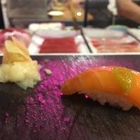 Das Foto wurde bei Sushi By Boū von Candace C. am 6/21/2017 aufgenommen