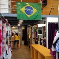 Foto tirada no(a) Elabore //collab.store por Andr�a F. em 6/18/2014