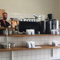 Photo taken at Man met Bril Koffie by Lieke V. on 8/20/2017
