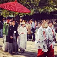 Photo prise au Meiji Jingu Shrine par Khanin J. le4/14/2013