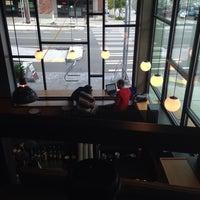 รูปภาพถ่ายที่ Herkimer Coffee โดย Asma A. เมื่อ 10/21/2014