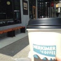 รูปภาพถ่ายที่ Herkimer Coffee โดย Asma A. เมื่อ 8/2/2014