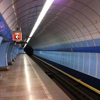 รูปภาพถ่ายที่ Metro =B= Vysočanská โดย Adam เมื่อ 3/21/2013