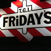 Foto tomada en TGI Friday's por ARTURO R. el 2/28/2013