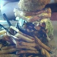 รูปภาพถ่ายที่ River City Cafe โดย Kate C. เมื่อ 1/21/2013