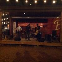 Foto tomada en Banger's Sausage House & Beer Garden por Brad D. el 3/9/2013