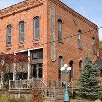 Foto tirada no(a) Angry Minnow Restaurant & Brewery por Chad T. em 9/28/2012