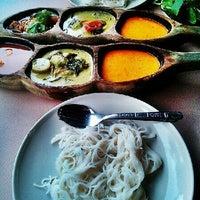 Photo taken at ขนมจีนสวนสิริน (วัชรพล) by Strafran T. on 10/6/2012