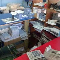 Photo taken at Offset Express by Ricardo C. on 10/31/2012